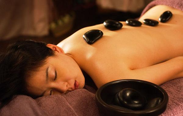 terapia masaje piedras calientes
